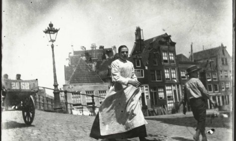 Europeana Photography Picture in Focus: Street view in Amsterdam by George Hendrik Breitner