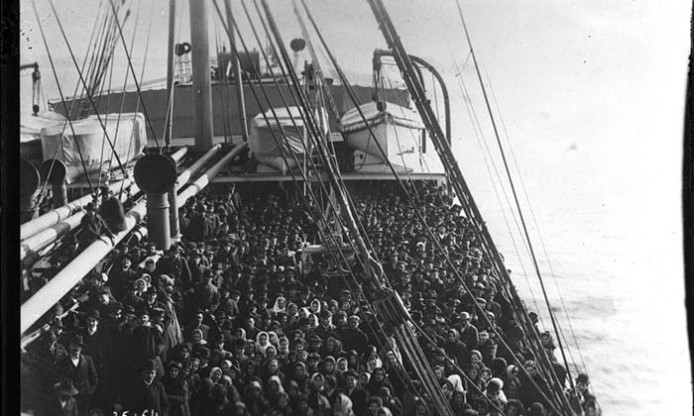 Europeana Photography Pictures in Focus: Migrants, then and now