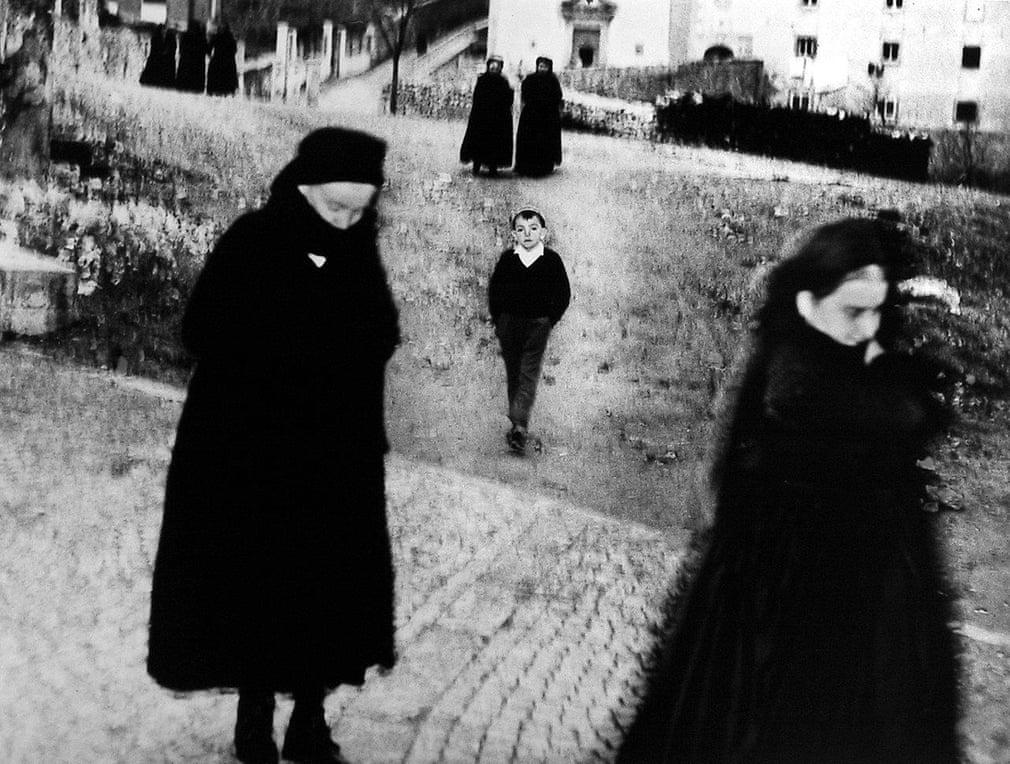 Mario Giacomelli, Scanno (boy), 1957 © Eredi Mario Giacomelli