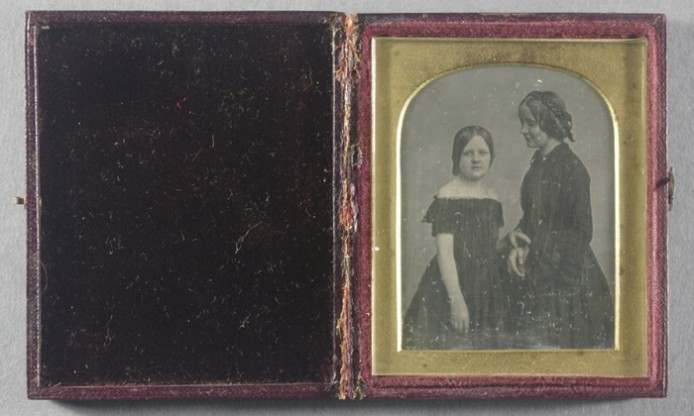 new Pinterest board: Tactility in daguerreotypes