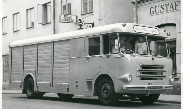 Fifties Friday: The wheels of the bus