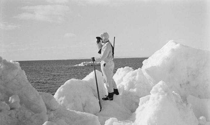 Stories from photographic archives: seal hunting in Finland